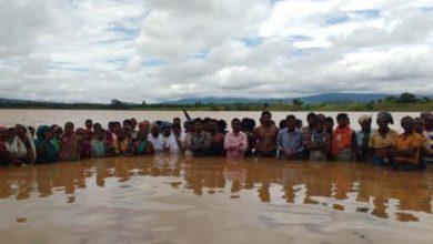 water-satyagraha-of-mlas-and-villager